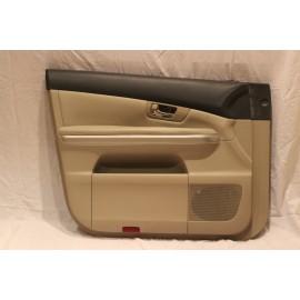 Lexus priekinių durų vidinė apdaila